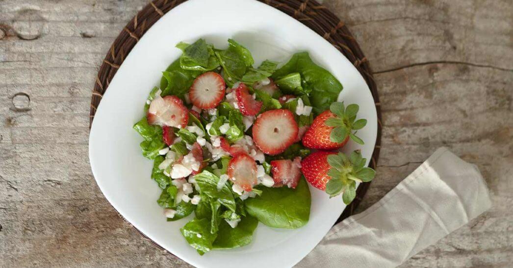 Salada de Espinafre e Morangos